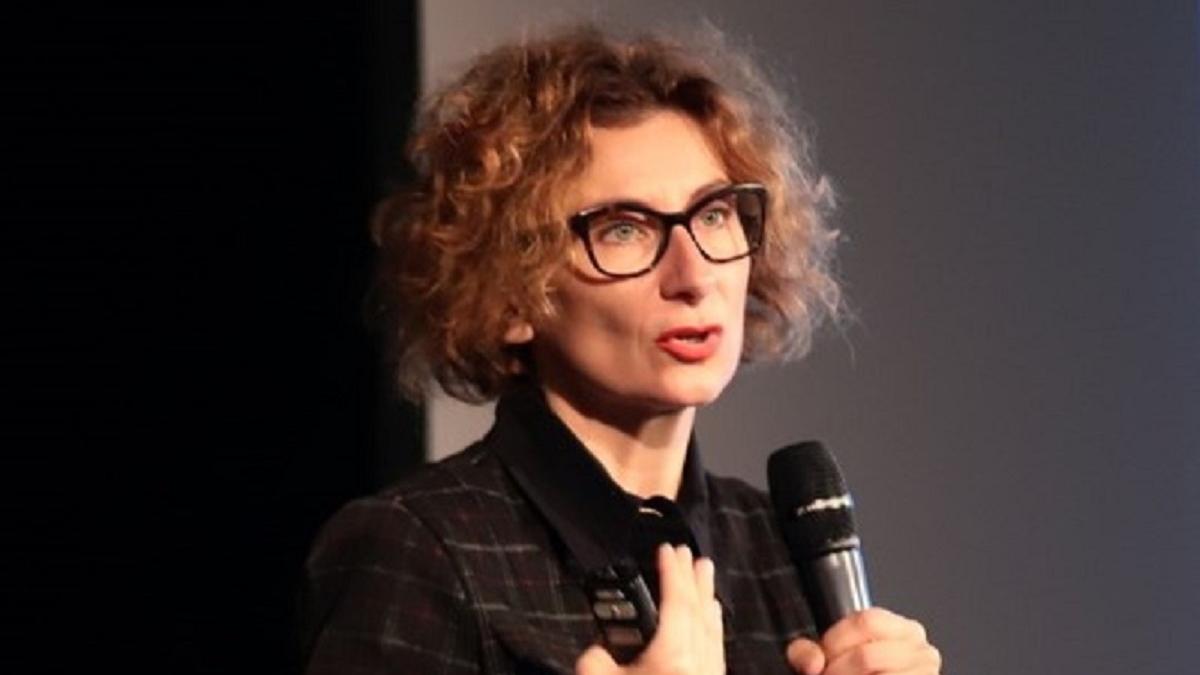 Dr. Gyurkó Szilvia a Mentor(h)álóban: Digitális gyermekvédelem - online előadás