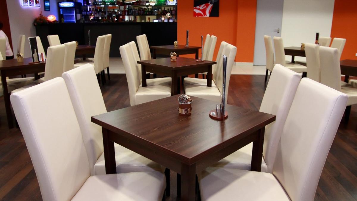 IH Café + előcsarnok