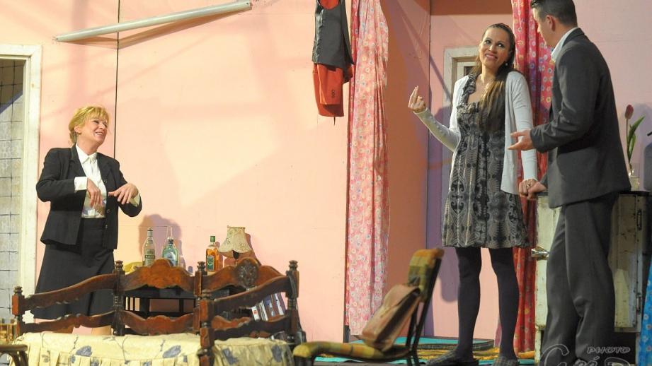 Körúti Színház: Mezítláb a parkban